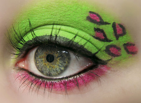 pink green leopard eyes makeup