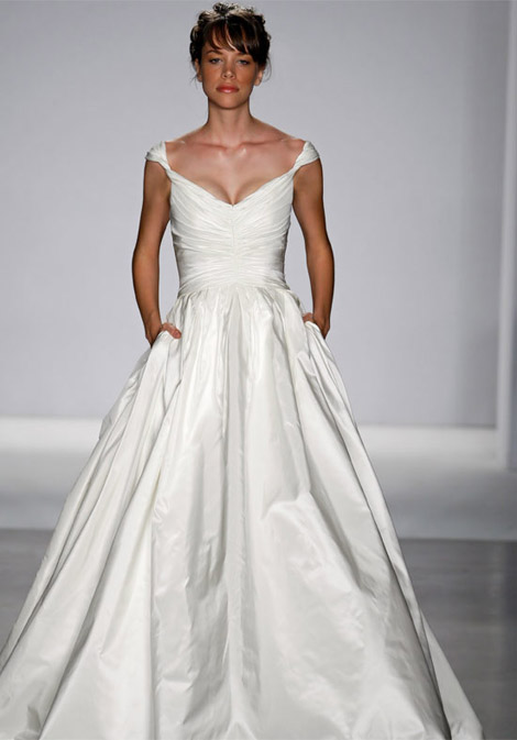 Pocket Wedding dress catwalk