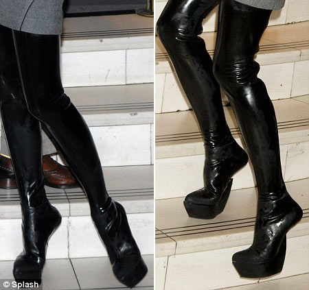 Victoria Beckham&#8217;s Antonio Berardi Heel Less PVC Boots