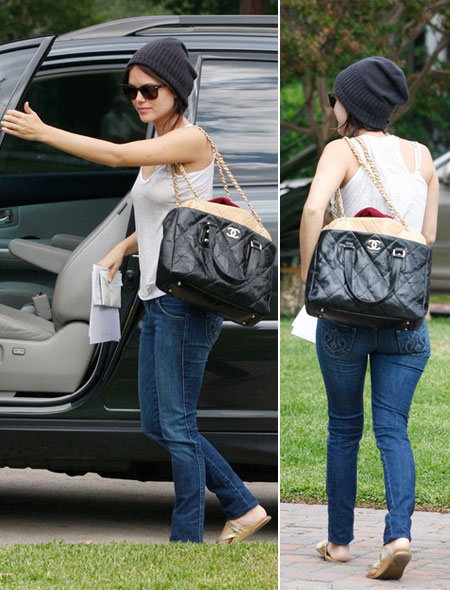 Questionable Style: Rachel Bilson Skinny And Chanel Bag
