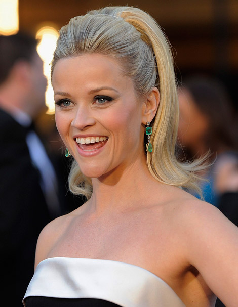 reese witherspoon oscars 2010. Reese Witherspoon black Armani