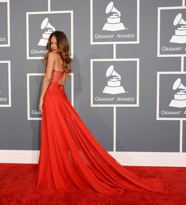 Rihanna Red Azzedine Alaia Dress At 2013 Grammy Awards With Chris Brown