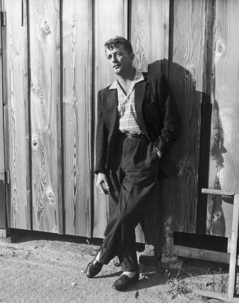 Robert Mitchum bw photo
