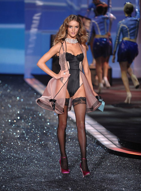Rosie Huntington Whiteley Victorias Secret 2009
