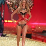 Rosie Huntington Whiteley Victoria s Secret Fashion show 2010 1
