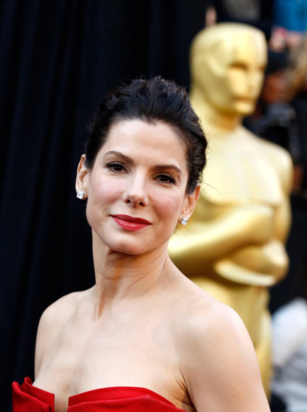 Sandra Bullock red Vera Wang dress 2011 Oscars 2