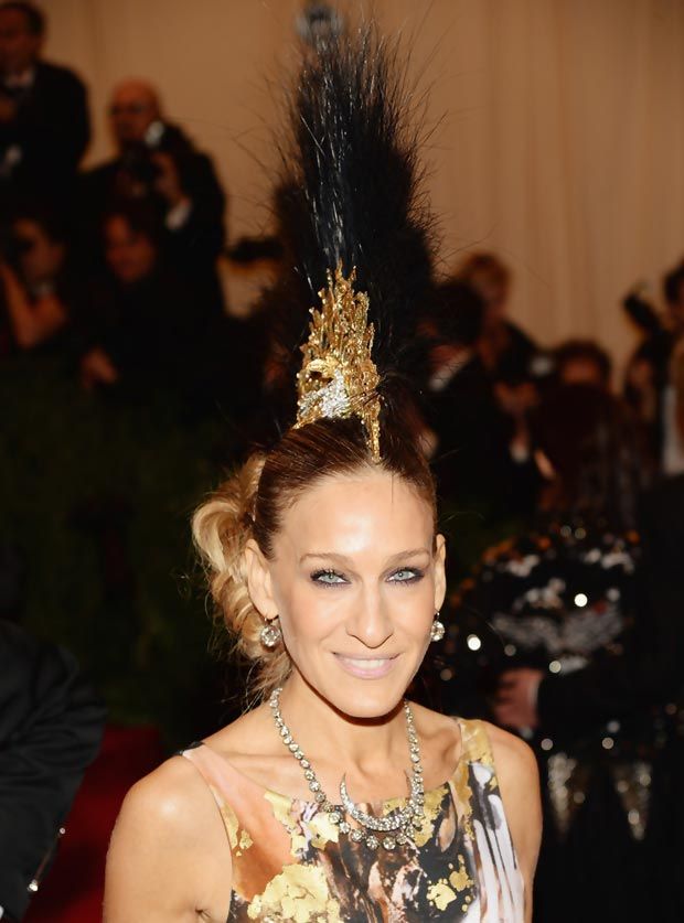 2013 Met Gala: Sarah Jessica Parker Giles Dress, Philip Treacy Mohawk Hat