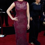 Scarlett Johansson purple Dolce and Gabbana dress 2011 Oscars 5