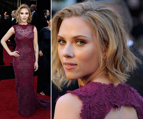 Scarlett Johansson purple Dolce and Gabbana lace dress 2011 Oscars
