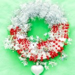silver red christmas wreath diy