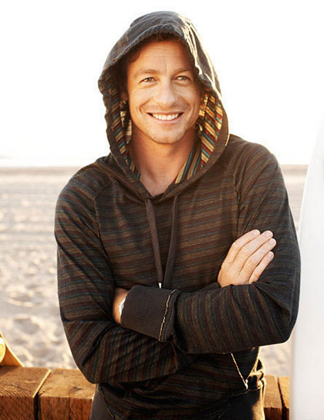 Simon Baker beach hood