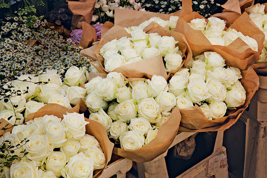 simple romantic wedding bouquets Kate Moss wedding