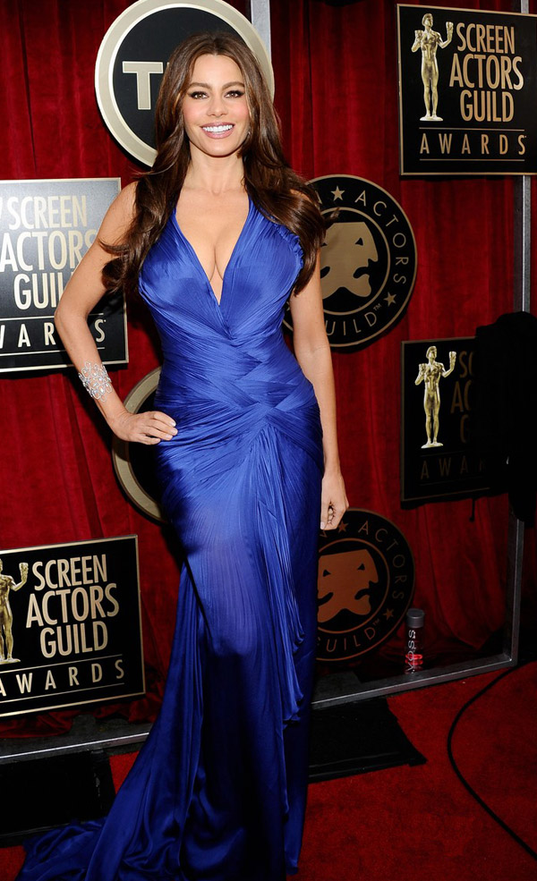 Sofia Vergara Cavalli Blue Dress 2011 SAG Awards 3
