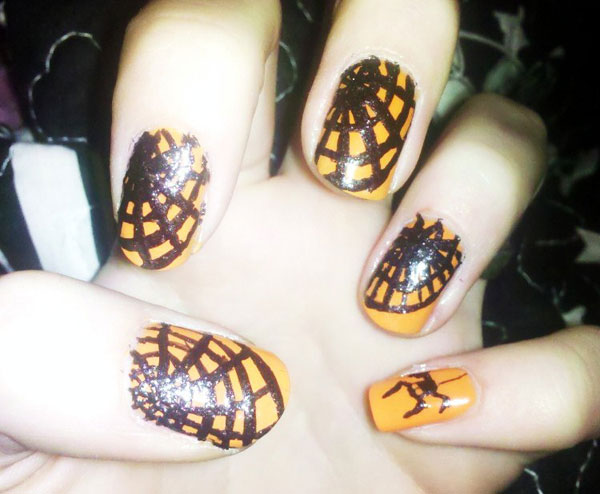 spider and spider web manicure