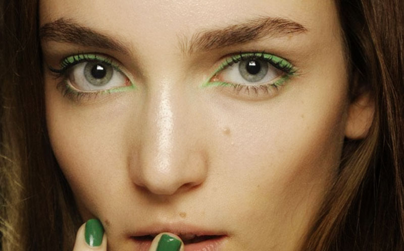 spring green makeup outline