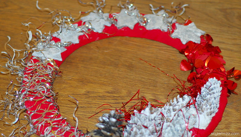 stars and pinecones Christmas wreath
