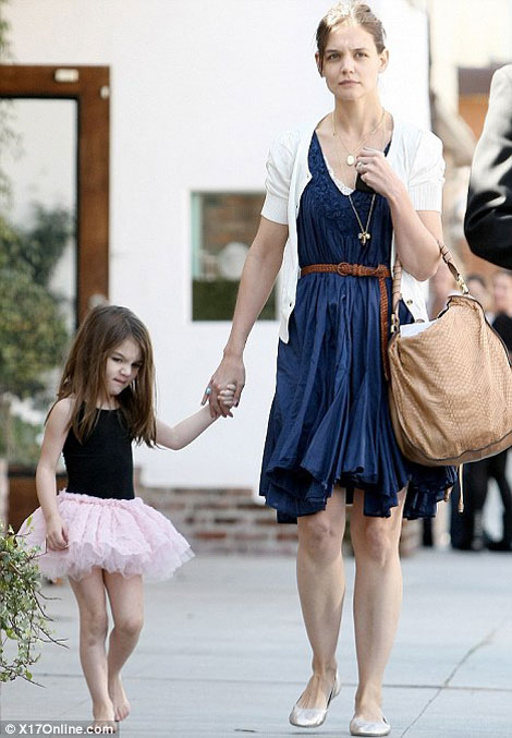 Suri Is Tom Cruise's Stylist