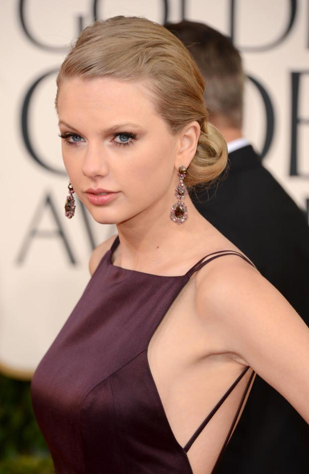 Taylor Swift hair makeup 2013 Golden globes