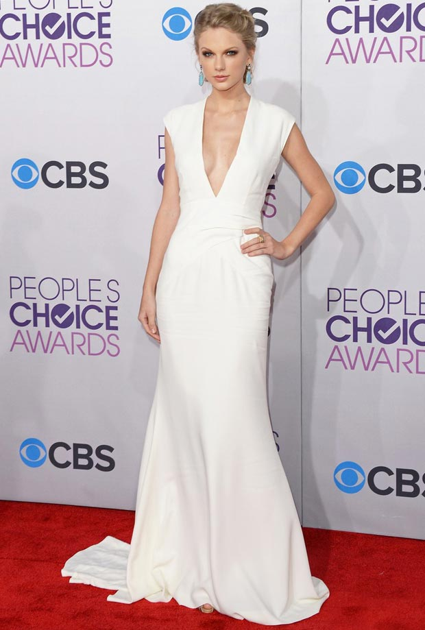 taylor swift looks smoking hot at the people's choice awards 2013
