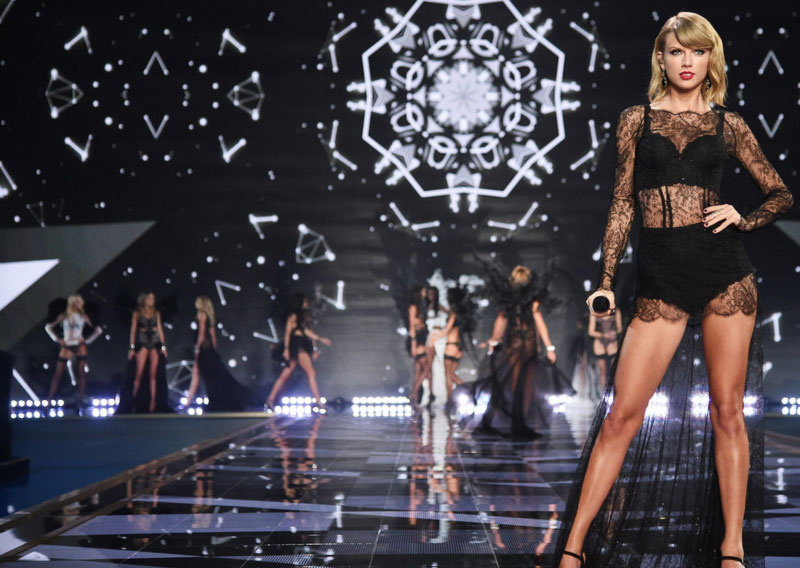 Taylor Swift Victoria s Secret 2014 Fashion Show lingerie Angels Ball