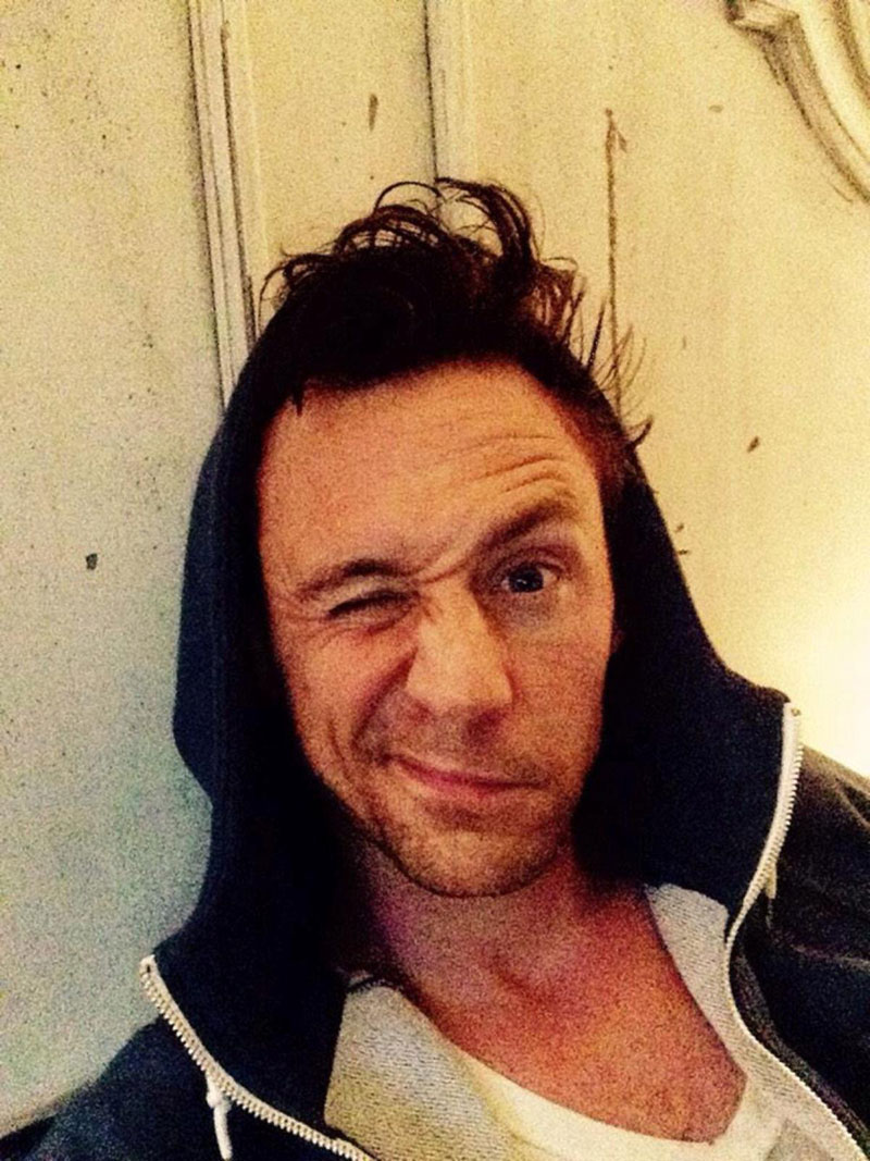 Tom Hiddleston in bed wakeupcall challenge