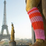 Urban statue Graffiti Knitting Paris