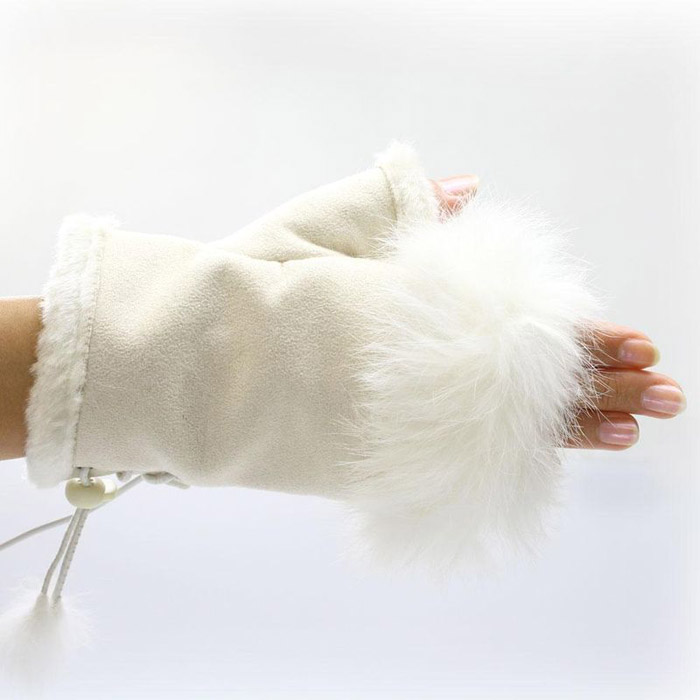 Dare To Wear The USB Warm Gloves?