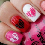Valentines day nails crakled hearts
