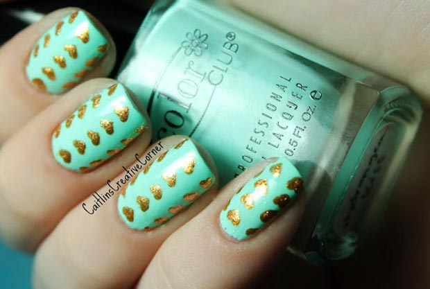 valentines-day-teal-nails-golden-hearts