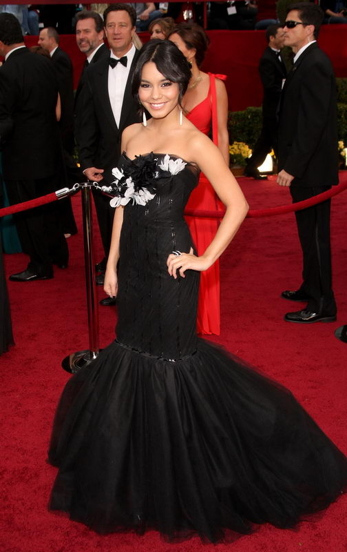 vanessa hudgens marchesa dress oscars 2009 3