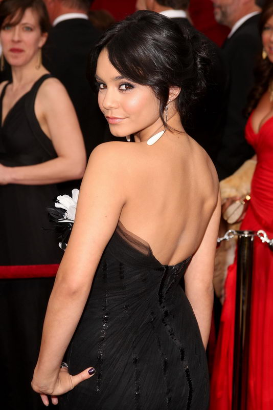 vanessa hudgens marchesa dress oscars 2009 4