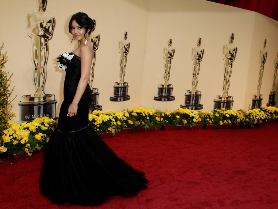 vanessa hudgens marchesa dress oscars 2009 5