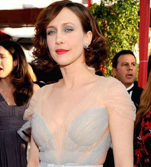 Vera Farmiga blue dress SAG 2010 1