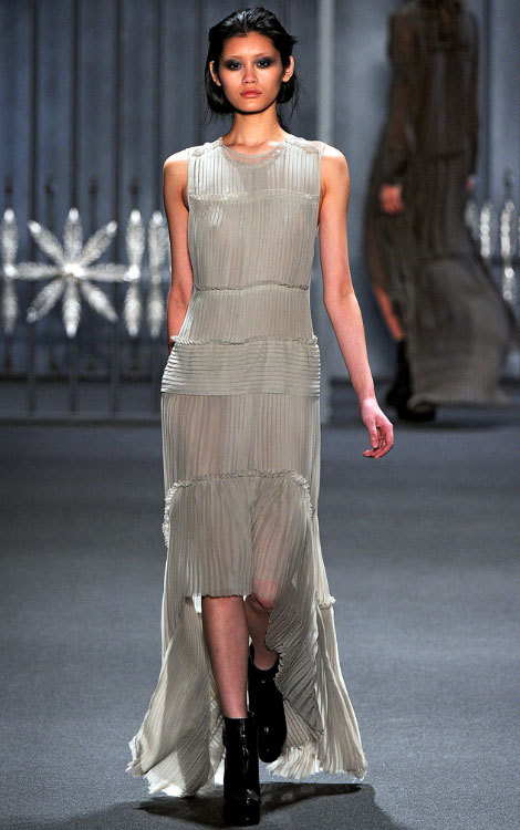 Vera Wang fall winter 2011 2012 collection Ming Xi