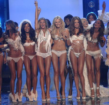 Victoria&rsquo;s Secret Girls Show Picture