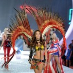 Victoria s Secret 2013 Fashion Show Lily Aldridge wings