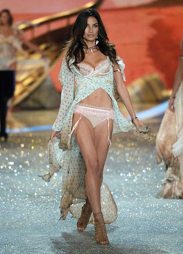 Victoria s Secret 2013 Fashion Show Lily Aldridge