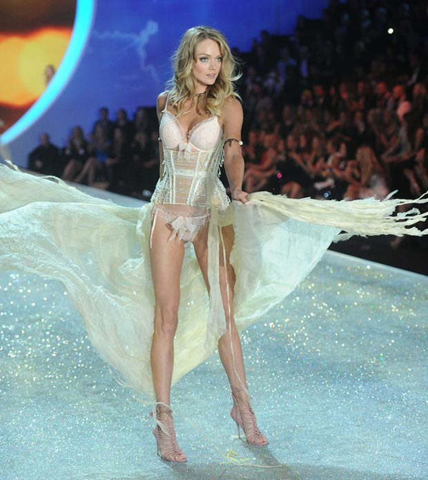 Victoria s Secret 2013 Fashion Show Lindsay Ellingson