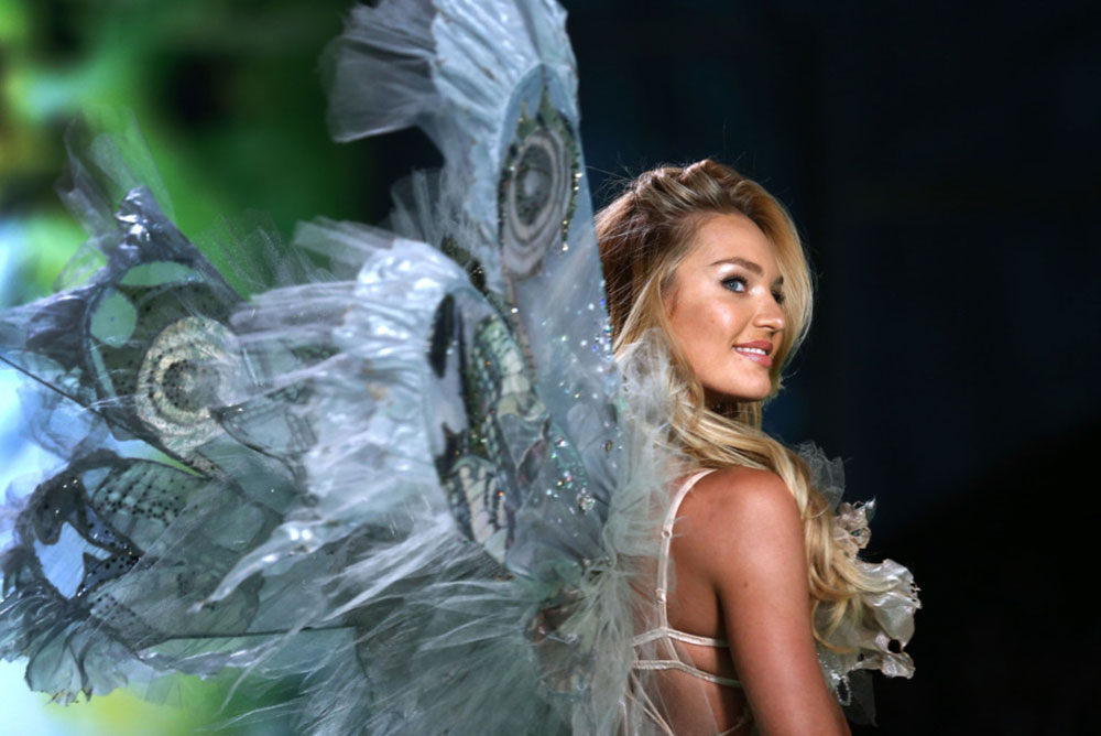 Victoria s Secret 2014 Fashion Show Candice Swanepoel fairy wings