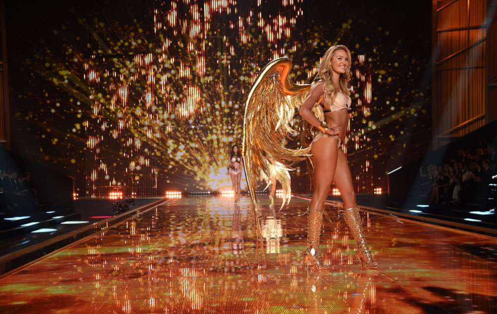 Victoria s Secret 2014 Fashion Show Candice Swanepoel gold wings
