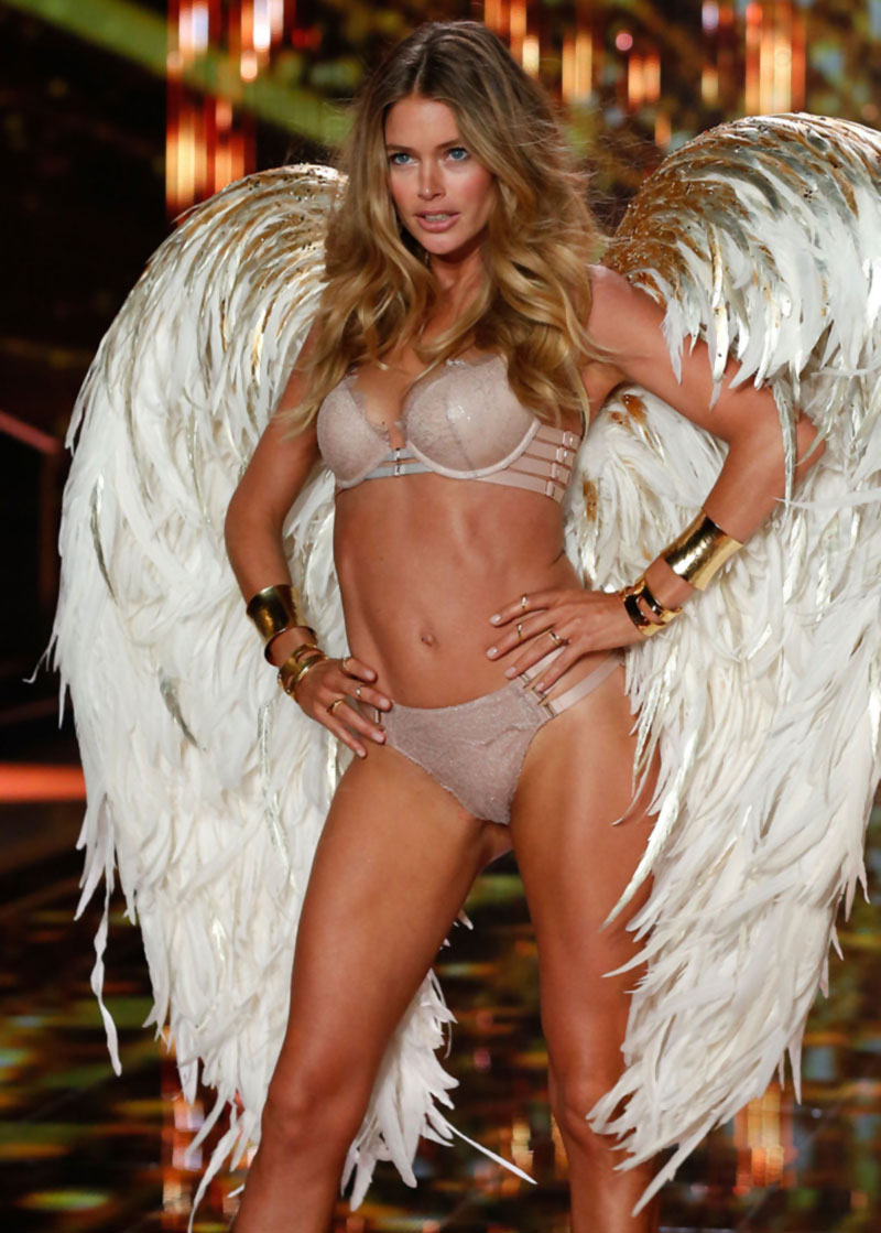 Victoria s Secret Fashion Show 2014 Doutzen Kroes wings