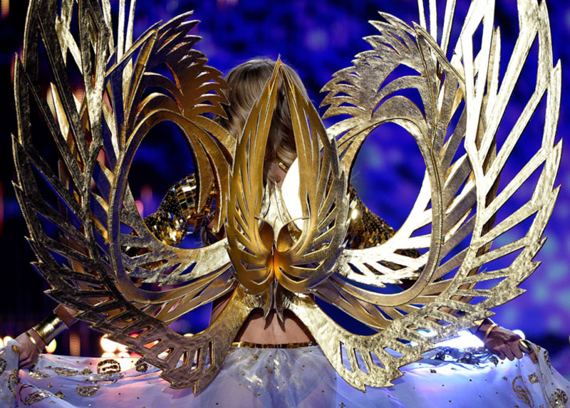 Victoria s Secret Angels wings gold