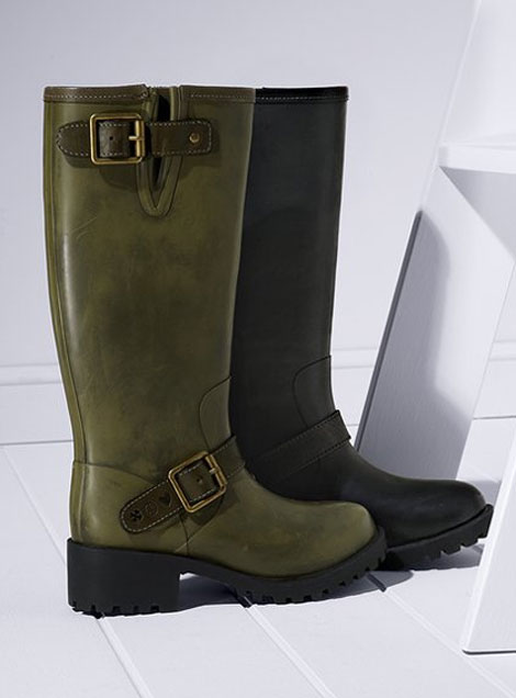 Victoria Secret's Rain Boots, My Favorite Rain Boots This Season