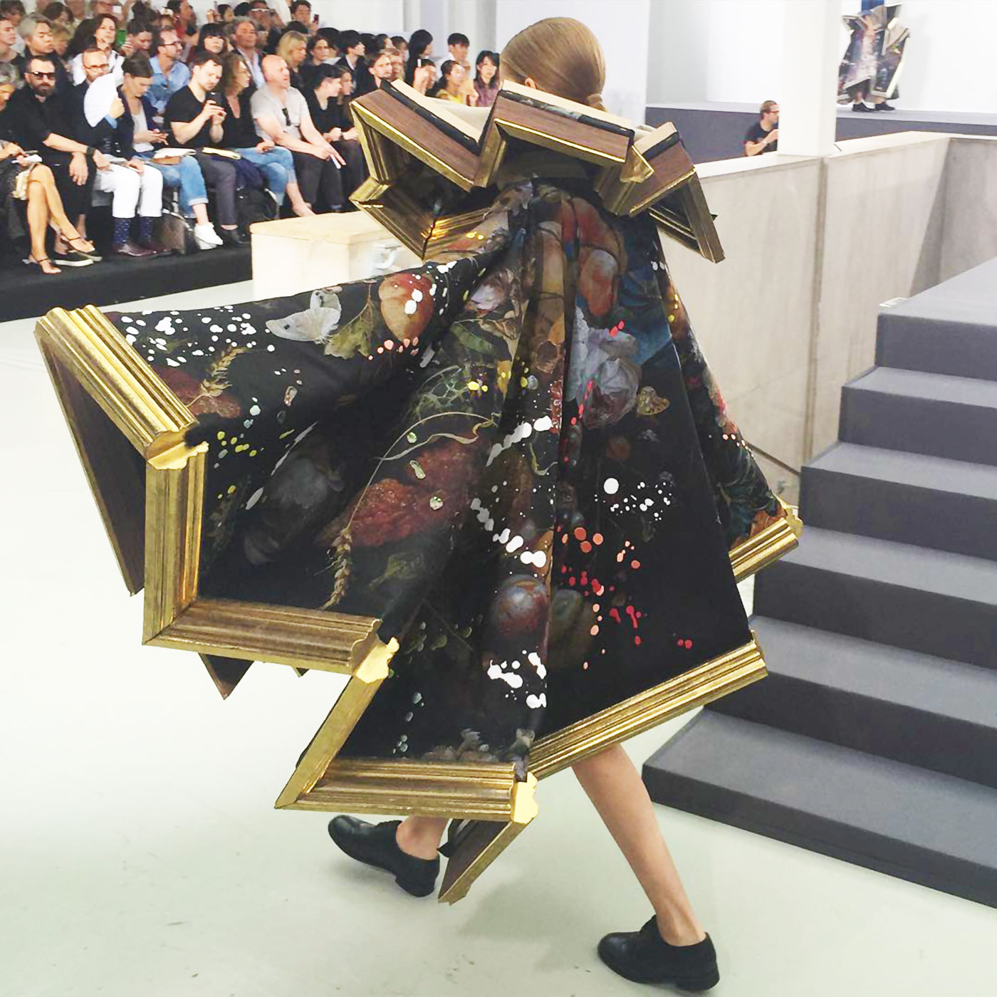 Viktor and Rolf Couture Fall 2015 back