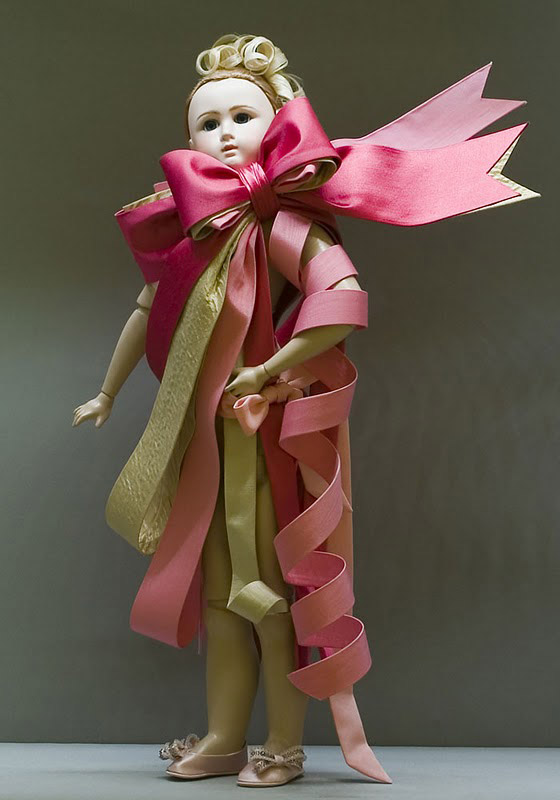 Viktor and Rolf doll bow