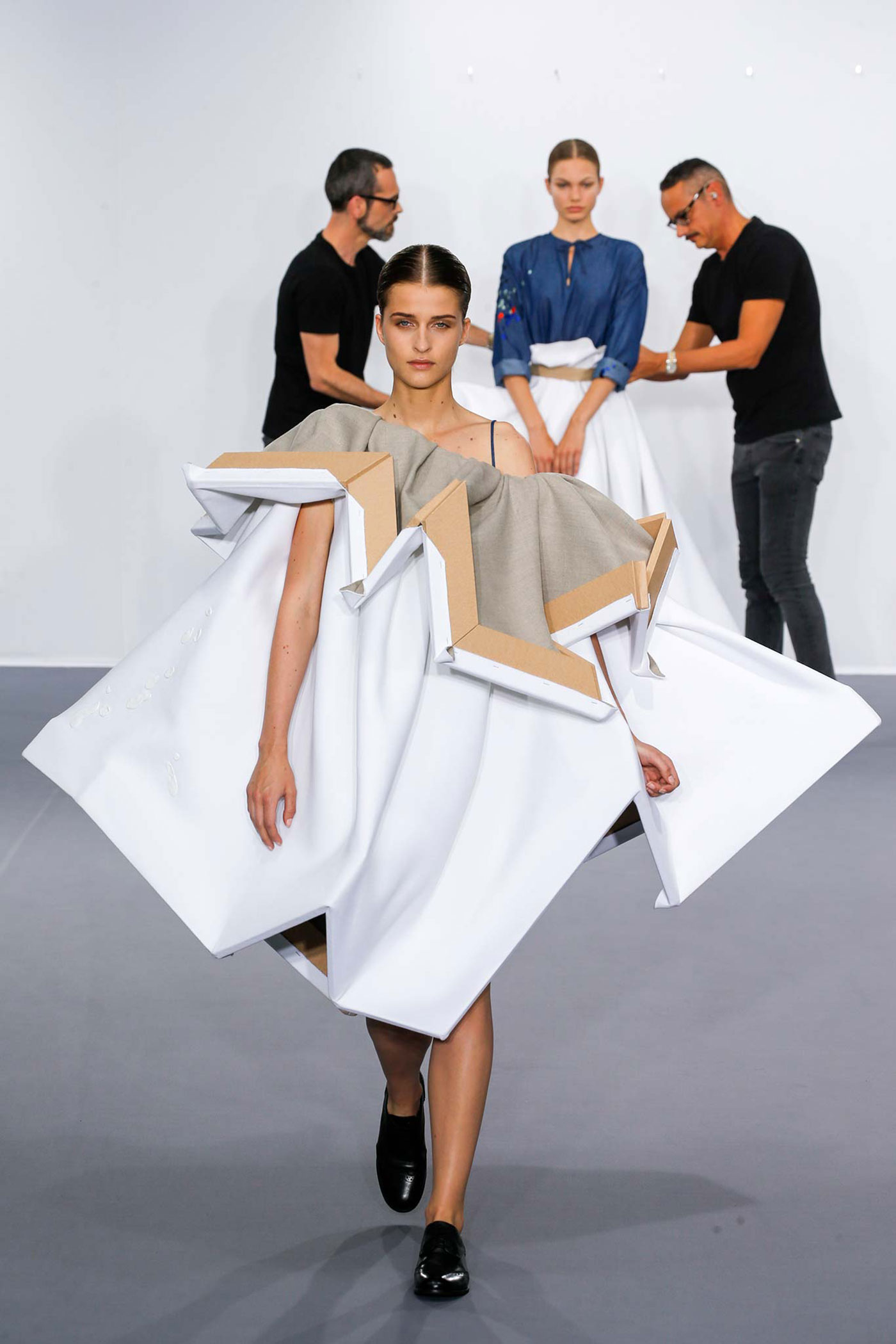 Viktor and Rolf Haute Couture Fall 2015 canvas
