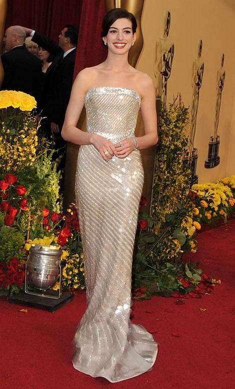 White Armani Prive 09 Oscars Anne Hathaway small