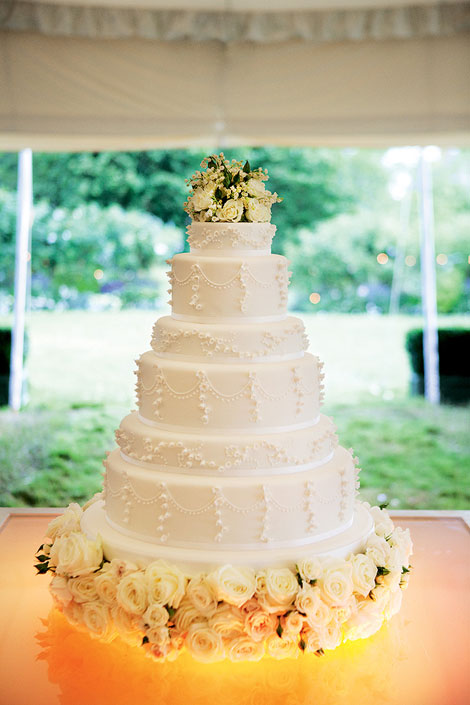 white romantic wedding cake Kate Moss wedding
